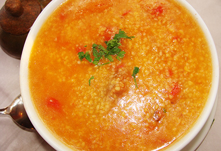 Canjiquinha mineira c / costelinha e tomate